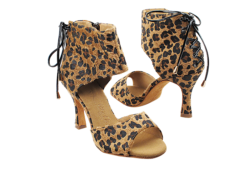 SERA7024 Brown Leopard with 3