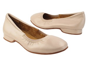 ProComfort20 Light Tan Leather with flat EVA heel in the photo