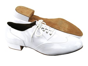 "CM100101 BA77 White Patent with 1"" Heel in the photo"