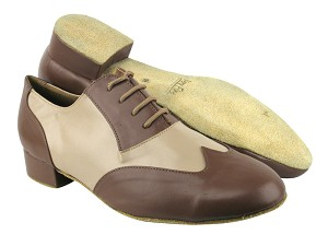 "M100101 133 Coffee Leather_F_B_60 Tan Leather_M with 1"" Standard heel in the photo"